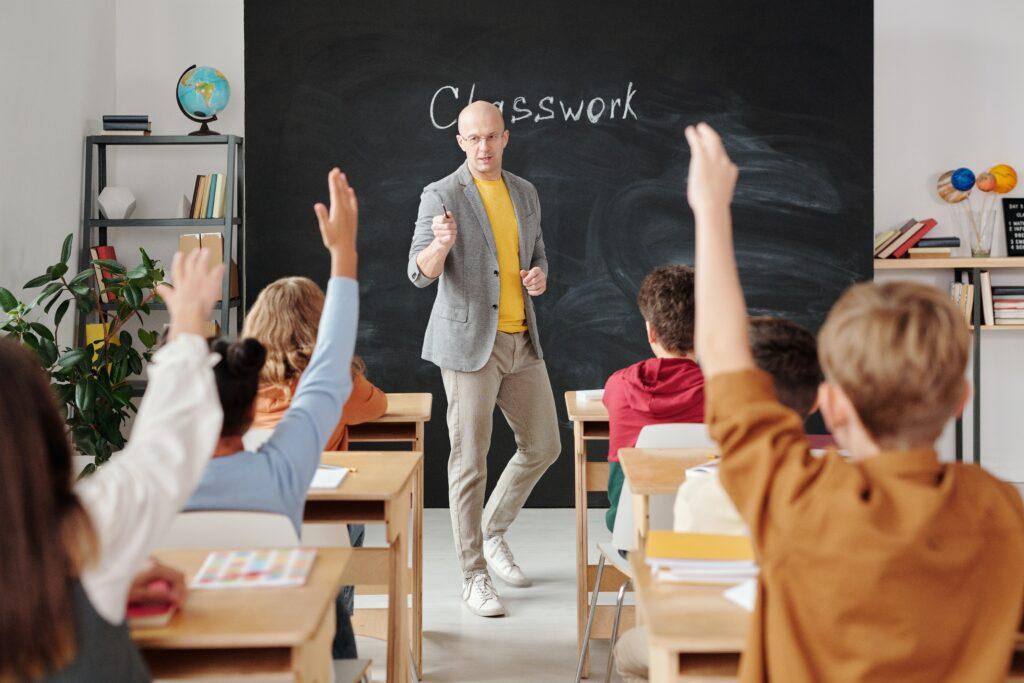 maestro y alumnos